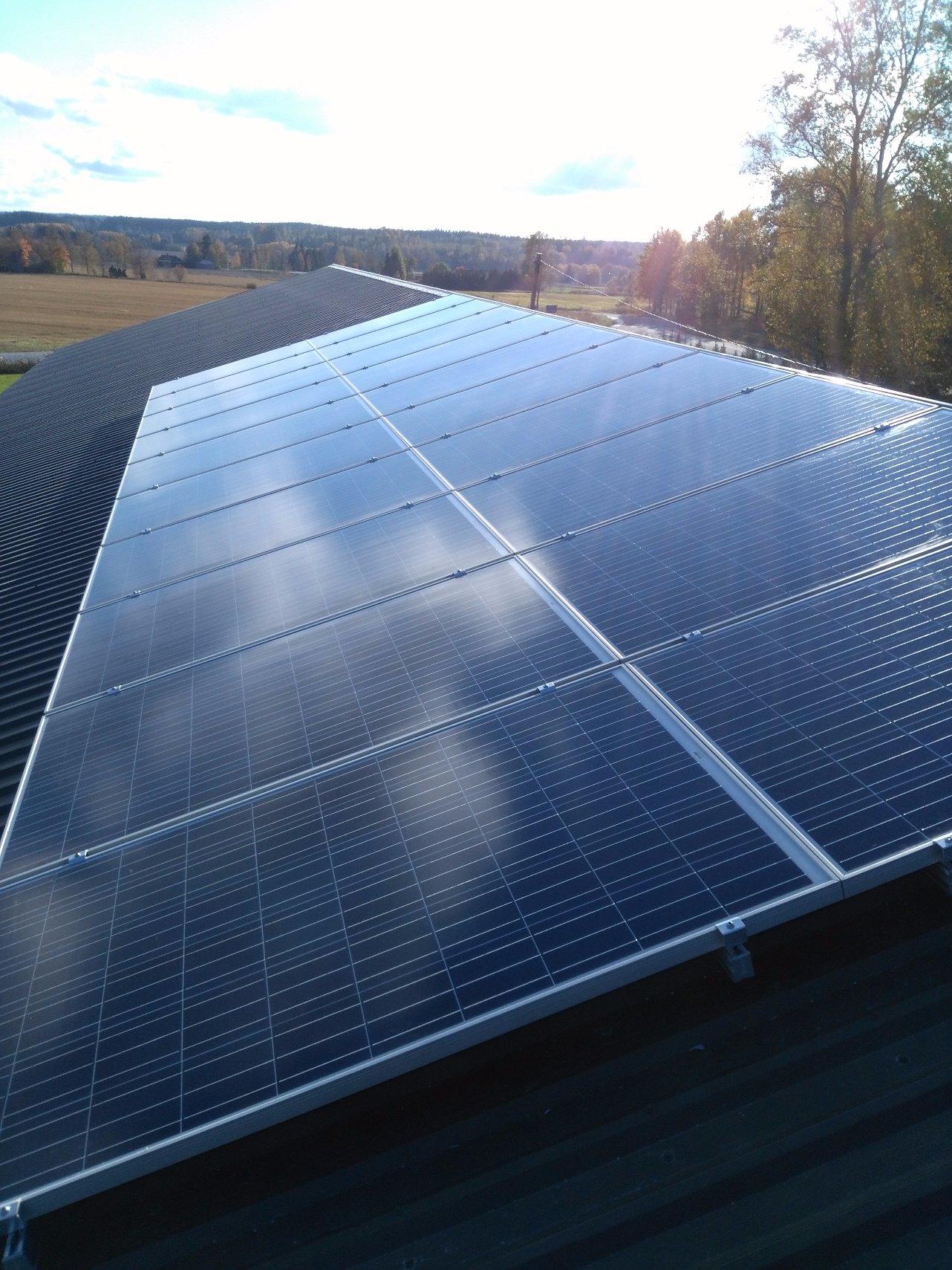 Aurinkosähköjärjestelmä 5.4kW Vaskio